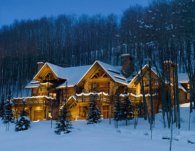 Book a Snowy Vacation with Luxury Home Rentals